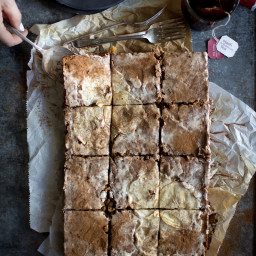 Chai Spiced Apple Sheet Cake