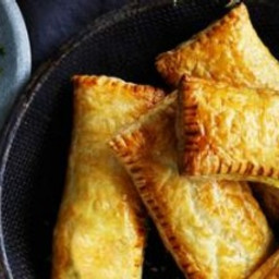 Cheat's samosas (vegetable curry puffs)