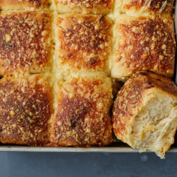 Cheddar Beer Bread Rolls