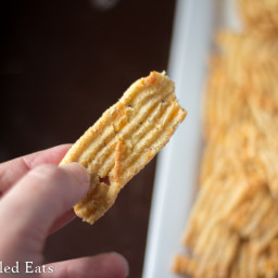 Cheddar Garlic Cheese Crisps – Low Carb Crackers