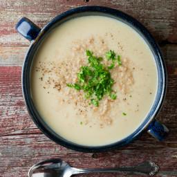 Cheddar Cauliflower Beer Soup