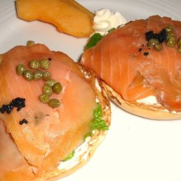 cheese-and-salmon-bagel-ww-2.jpg