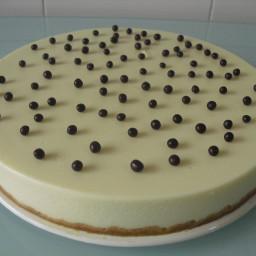 Cheese cream and white chocolate cake