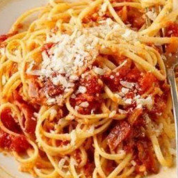 cheese-gilded-linguine-with-smoky-tomatoes-2456026.jpg