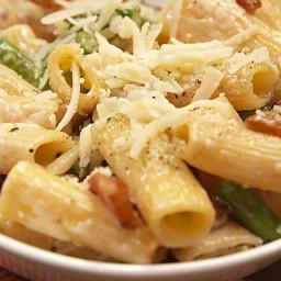 Cheesy Asparagus Pasta