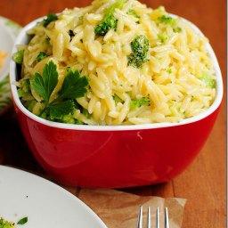 Cheesy broccoli orzo