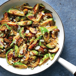 Cheesy Brussels Sprouts and Mushrooms Are a Surprisingly Low-Calorie Side D