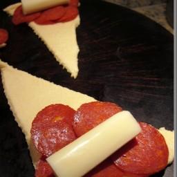 Cheesy pepperoni rolls