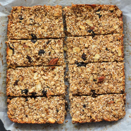 Chia, Quinoa and Banana Granola Bars