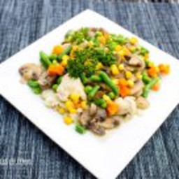 Chicken and Brown Rice with Veggies and Mushrooms #SundaySupper