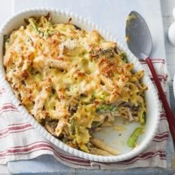 Chicken, asparagus and mushroom pasta bake