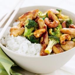 Chicken, broccoli and cashew stir-fry