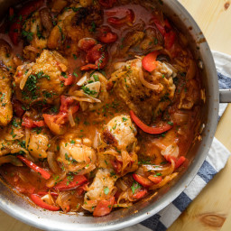 Chicken Cacciatore With Red Peppers, Tomato, and Onion Recipe