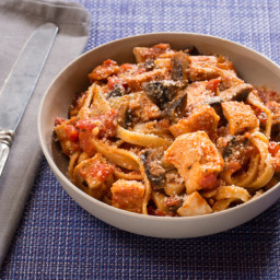 Chicken Cacciatorewith Fettuccine Pasta and Mushrooms
