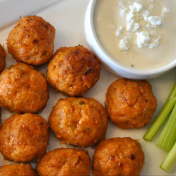 Chicken meatballs with leek, yoghurt sauce and curry