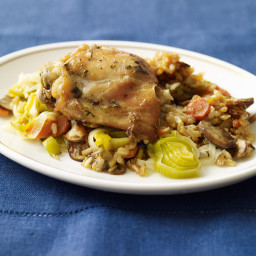 Chicken, mushroom, and brown rice slow cooker casserole