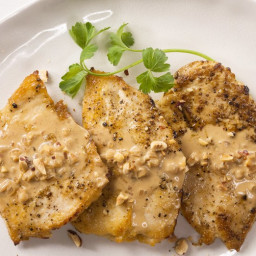 Chicken Scaloppine with Hazelnut-Cream Sauce