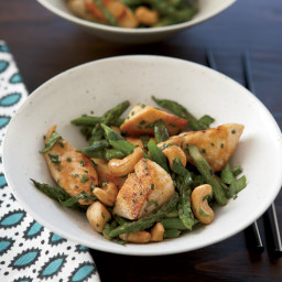 Chicken Stir-Fry with Asparagus and Cashews