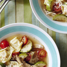 chicken-tortellini-soup-1914511.jpg