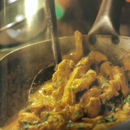 Chicken with Yellow Curry Sauce