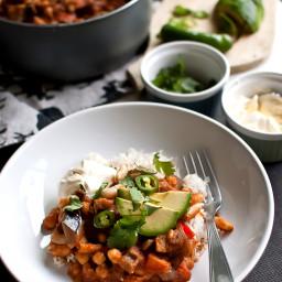 chili sin carne z cieciorką, fasolką i bakłażanem
