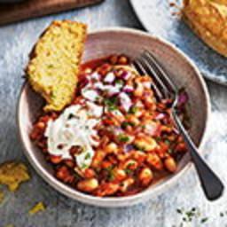 Chilli non carne with cornbread
