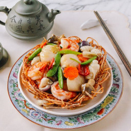 Chinese Seafood Bird Nest Banquet Dish