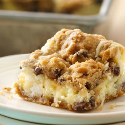 chocolate-chip-cheesecake-bars-5a5508-fa60f07712d1013ea7cea905.jpg