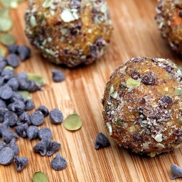 Chocolate Chip Pumpkin Pie Protein Balls