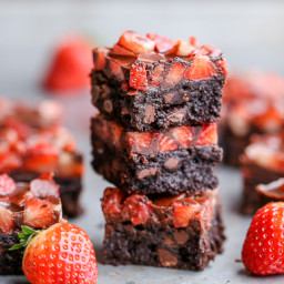 chocolate-covered-strawberry-brownies-paleo-1484673.jpg