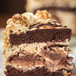 Chocolate Kiev Cake {Chocolate, Walnuts, Meringue and Dulce de Leche}