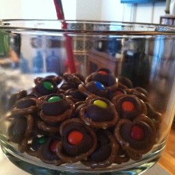 chocolate-pretzel-bites-2.jpg