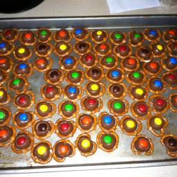 chocolate-pretzel-bites-3.jpg