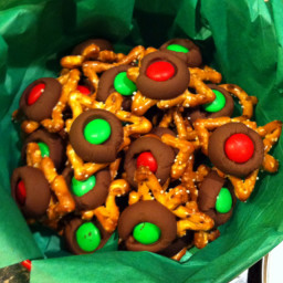 chocolate-pretzel-bites-5.jpg