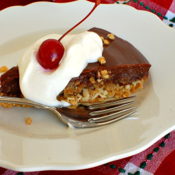 Chocolate Pudding Pie with Crunchy Toffee Crust