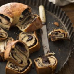 Chocolate Yeast Kugelhopf