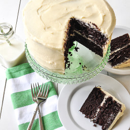 chocolate cake with cream cheese frosting