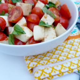 Chopped Caprese Salad Recipe and Rubbermaid FreshWorks Giveaway