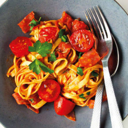 Chorizo linguine with fennel seeds and tomato sauce