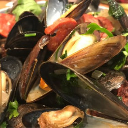 Chorizo mussels(moules) with white wine