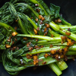 Choy Sum (Asian Greens) with Garlic Sauce