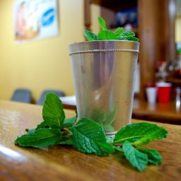 Churchill Downs Mint Julep