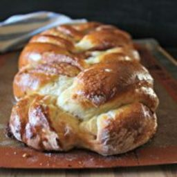 cinnamon-roll-braided-bread-1983420.jpg