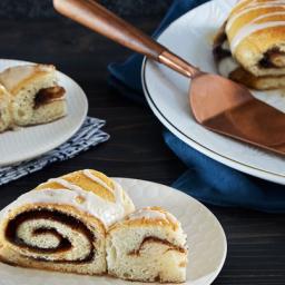 Cinnamon-Roll Cake