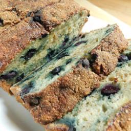 Cinnamon sugar topped blueberry banana loaf