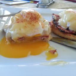 classic-eggs-benedict-20.jpg