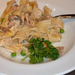 classic-tuna-noodle-casserole-5.jpg
