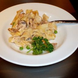 classic-tuna-noodle-casserole-6.jpg
