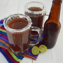 Cómo hacer una michelada y clamacheve (o vaso michelado y michelada con cla