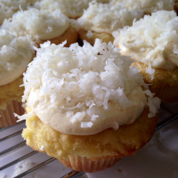 coconut-cupcakes-16.jpg
